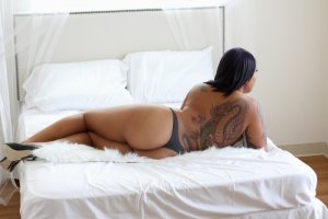 Namariama blonde escorts in Upper Montclair
