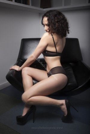 Aiana facesitting escorts in Shelton, CT